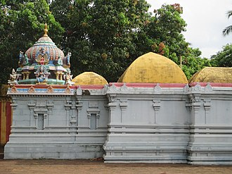 Soundararajaperumal temple, Nagapattinam - Shrines inside the temple walls