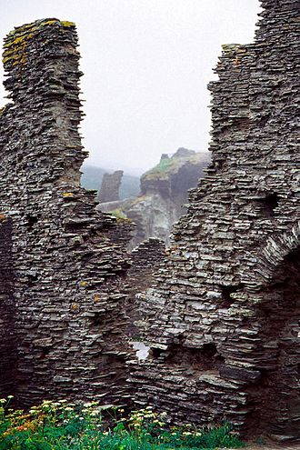 Tintagel Castle - Ruins of the castle in 2005