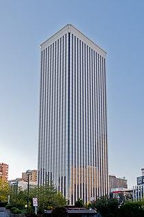 Torre Picasso - 01.jpg
