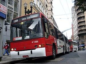 Trolleybuses in São Paulo - Image: Trolebus 8000nalinha 2100Marcos Elias