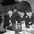 Tweede Kamerverkiezingen. Stemmen in het Oude Mannenhuis, Bestanddeelnr 901-7496.jpg