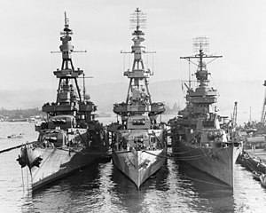 USS Salt Lake City (CA-25) - Image: USS Salt Lake City (CA 25), USS Pensacola (CA 24) and USS New Orleans (CA 32) at Pearl Harbor on 31 October 1943