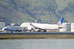 United Airlines Boeing 787-9 Dreamliner (33734207322).jpg