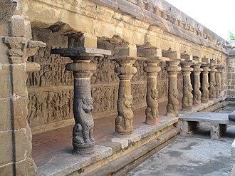 Tiru Parameswara Vinnagaram - Sculptures on the panel, 1956