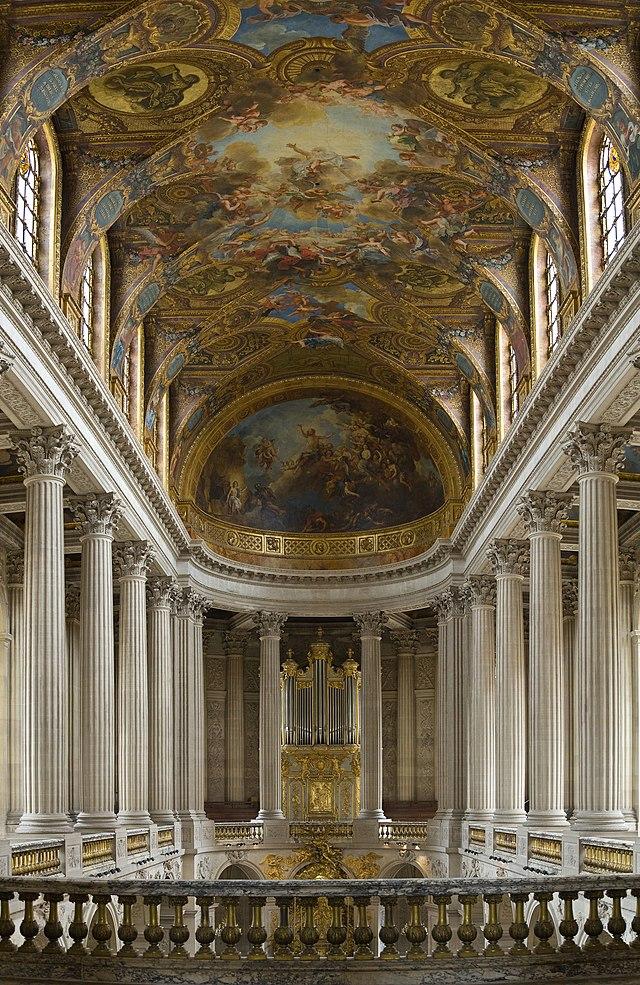 Dvorac Versaj 640px-Versailles_Chapel_-_July_2006_edit
