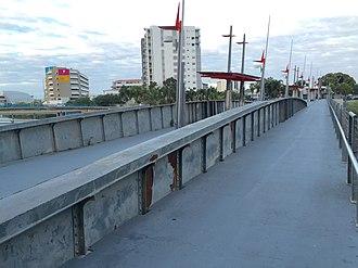 Victoria Bridge, Townsville - Image: Victoria Bridge, Townsville deck the swinging span