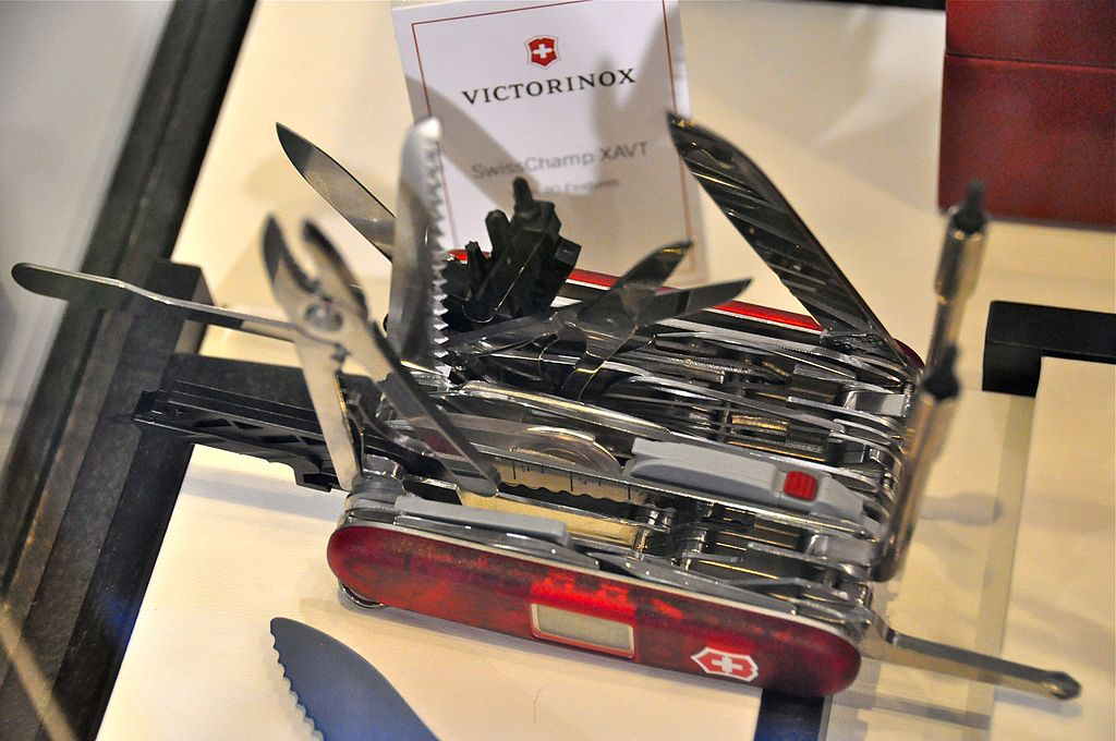 File Victorinox Swiss Army Swisschamp Xavt Jpg Wikimedia