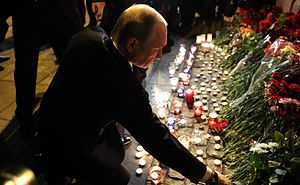 2017 Saint Petersburg Metro bombing - President Vladimir Putin laying flowers at the metro station