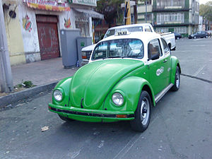English: A 2002 Volkswagen Beetle Mexico City ...