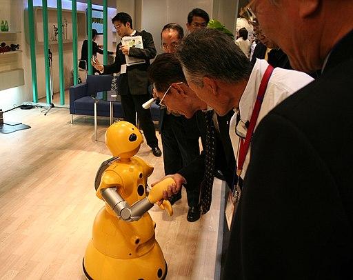 Wakamaru shaking hands