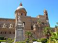 Walk in Palermo's streets (3766941054).jpg