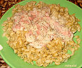 Whole-grain macaroni with vegan cheese-and-ham sauce (3077174208).jpg