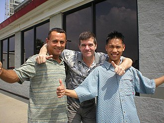Alex Pagulayan - Ronnie Wiseman, Keith McCready, and Pagulayan (left to right) at the 2003 Carolinas Open in Goldsboro, North Carolina