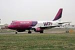 Wizz Air HA-LPB A320 Coventry (36975567525).jpg