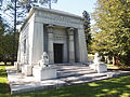 Woodlawn Cemetery in Bronx, New York (2).jpg