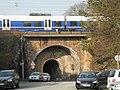 Wuppertal, Brücke Flieth, von S, Zug.jpg