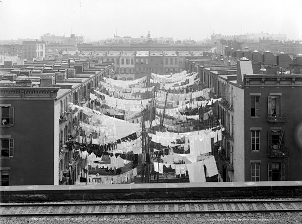 Tenements at Park Avenue and 107th Street, New York City, circa 1898-1910 Yard of a tenement at Park Ave. LOC det.4a28182.jpg
