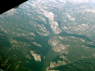 Geology of the Yosemite area - The valley from an airplane
