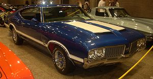 Oldsmobile 442 - 1970 Oldsmobile 4-4-2 with W-25 ram-air option