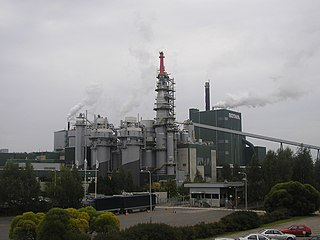 Pulp mill facility which pulps wood or plant fibre