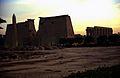 Ägypten 1999 (259)Tempel von Luxor- Obelisk und Pylone (27604888834).jpg