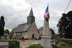 Église et monument aux morts Le Faulq.jpg
