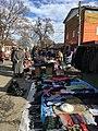 Блошиный рынок в районе рынка Привоз, Владикавказ.jpg