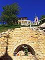 Вид на храм Святителя Николая Чудотворца, со стороны одного из источников - неподалеку от Пафнутьевского монастыря.jpg
