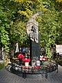 Санкт-Петербург, Богословское кладбище. Могила В.Р. Цоя, рок-музыканта.jpg