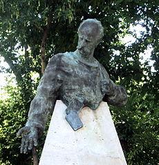 Bust of Fridtjof Nansen, Yerevan