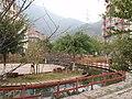红枫山庄里的水心花坛 - panoramio.jpg