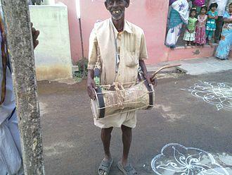 Music of Tamil Nadu - Image: 1 urumi melam