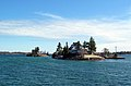 1000 Islands - St Lawrence River, Canada-USA border - panoramio.jpg