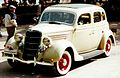 1935 Ford Model 48 730 De Luxe Fordor Sedan.jpg