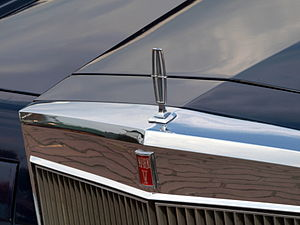 Lincoln Continental Mark V - Hood ornament and grille insignia