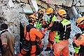 2010년 중앙119구조단 아이티 지진 국제출동100118 중앙은행 수색재개 및 기숙사 수색활동 (219).jpg