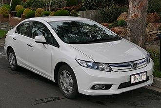 Honda Civic Hybrid - Image: 2014 Honda Civic (FB4 MY13) Hybrid sedan (2015 08 07) 01