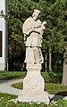 2017 Figura św. Jana Nepomucena w Stroniu Śląskim 3.jpg