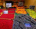2018-06-26 Raspberries, blueberries, peaches and grapevines for sale on Budapest market.jpg