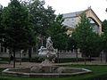 226 Gerro amb nens, parc de la Ciutadella.JPG