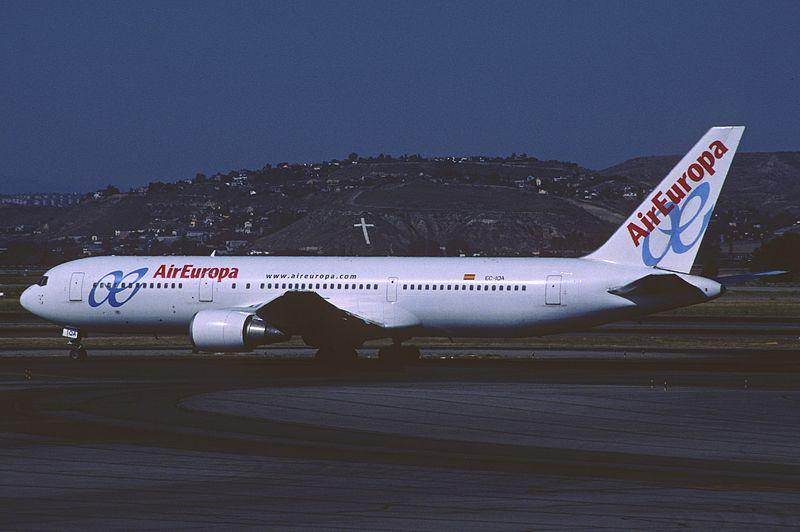 File:365ad - Air Europa Boeing 767-300; EC-IQA@MAD;06.08.2005 (8507005176).jpg
