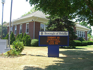 Brielle, New Jersey - Brielle Borough Hall, at the corner of Union Avenue and Union Lane.