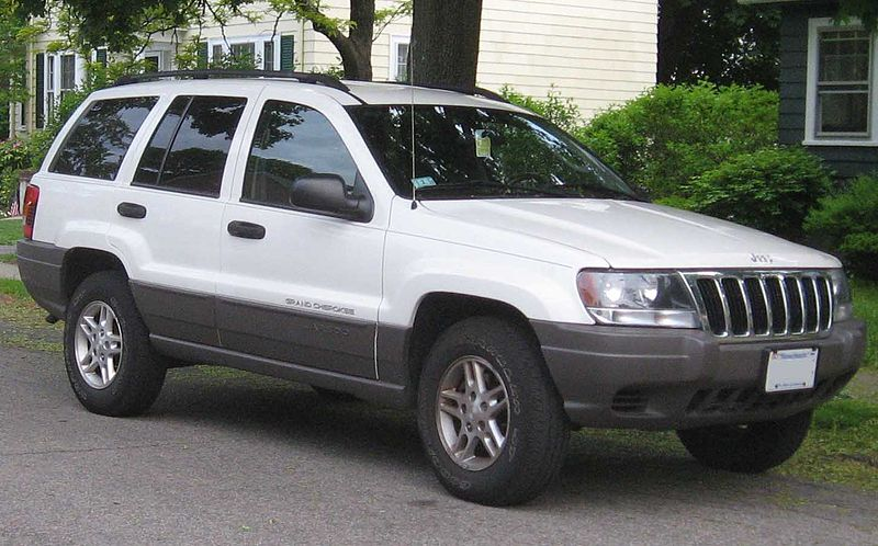800px-99-03_Jeep_Grand_Cherokee_Laredo.jpg