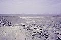 ASC Leiden - van Achterberg Collection - 14 - 19 - Un chemin de terre descendant dans le massif volcanique d'Atakor - Ahaggar, Algérie - 1984.jpg