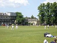 Een cricketwedstrijd op Parker's Piece - geograph.org.uk - 1333315.jpg