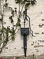 A very old water pump - geograph.org.uk - 788270.jpg