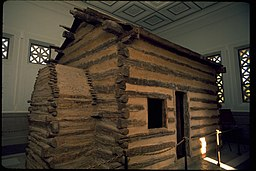 Abe-Lincoln-Birthplace-2