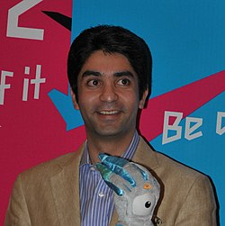 Abhinav Bindra and Mary Kom - British High Commission, Delhi, 27 July 2011 (cropped).jpg