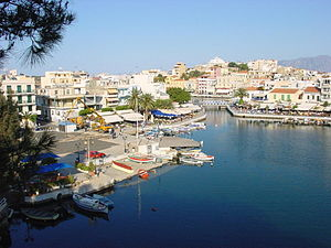 English: The town of Agios Nikolaos in Eastern...