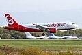 Airbus A-320 (4857752142).jpg